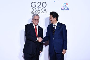 Piñera arriba a Japón para participar del G-20 y sostendrá bilaterales con Merkel, Macri y Modi