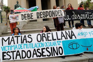 INDH presenta querella por caso de profesor que perdió ojo tras impacto de bomba lacrimógena en Valparaíso