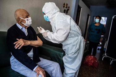 Perú: Ministerio de Salud anuncia sanciones por casos de pacientes vacunados con jeringas vacías