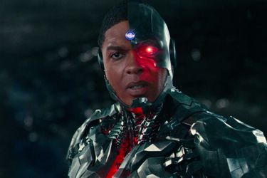 Ray Fisher acusó a Geoff Johns de amenazar su carrera