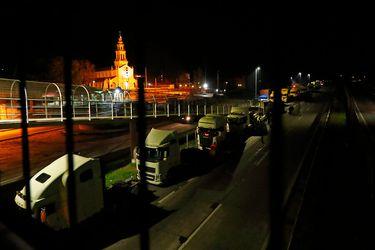 Camioneros dan inicio a paro con caravanas y presencia en varias rutas