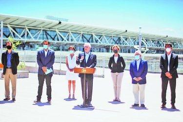 Apertura de fronteras: Salud hará vigilancia a chilenos y extranjeros que lleguen al país