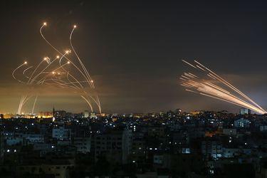 Israel bombardea Gaza por aire y con artillería en escalada militar que suma más de 120 muertos