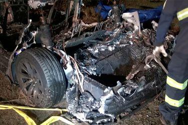 Choque de un Tesla sin conductor deja dos muertos en EE.UU.