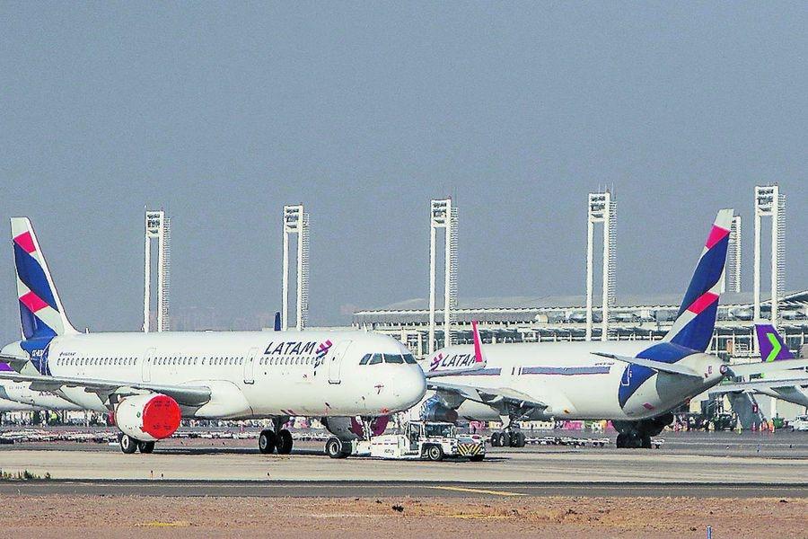 Acciones de Latam Airlines extienden su desplome