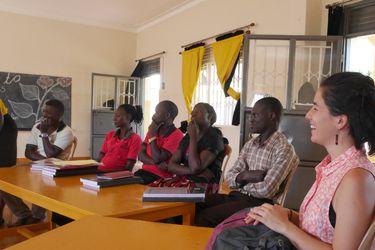 Educar lejos de casa: dos profesoras chilenas en el corazón de Uganda
