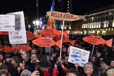 Anti-populist protest Sardines gather in Turin