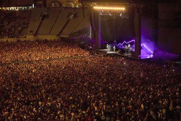 Nueva Zelandia presume de su éxito contra el Covid y reúne a 50 mil personas en un concierto