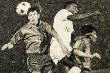 21 de enero: Colo Colo derrota por 4-3 al Santos de Pelé