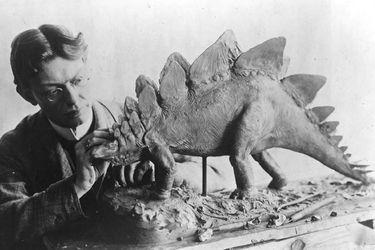 """Un """"lagarto terrible"""": El término dinosaurio cumple 180 años"""