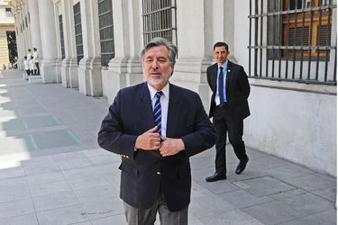 ¿Guillier, otra vez a La Moneda?