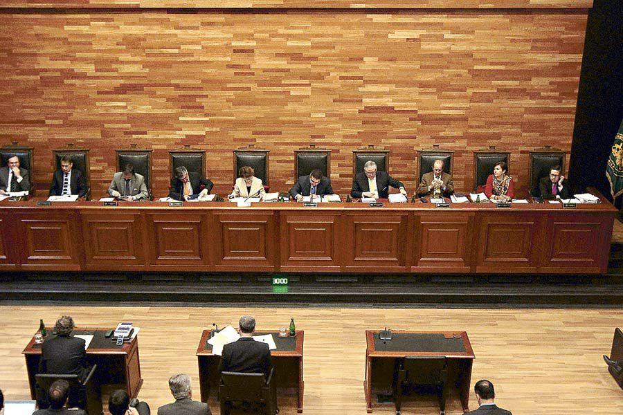 Imagen-Pleno-Tribunal-Constitucional512