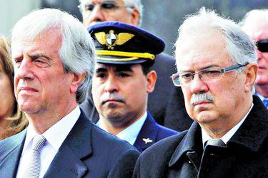 Presidente de Uruguay destituye al ministro de Defensa y al jefe del Ejército (45134046)