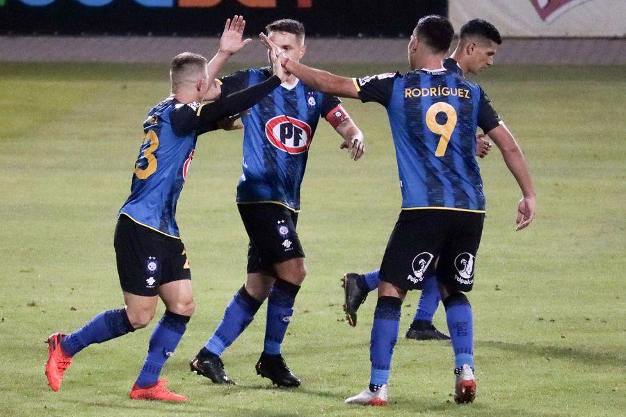 Huachipato y San Lorenzo se enfrentan en la fase de grupos de la Copa Sudamericana.