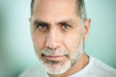 Guillermo Arriaga se hace del Premio Alfaguara de Novela 2020