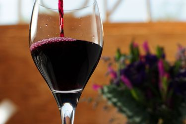 Envíos de vino chileno a China se derrumban en abril y relegan a ese mercado al quinto lugar