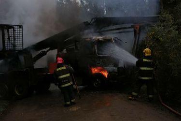 Desconocidos queman maquinaria en Contulmo