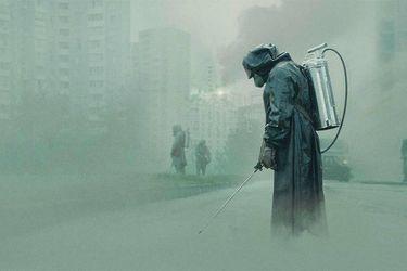 Fabricante del vestuario de la serie Chernobyl dona máscaras y trajes para frenar contagios por coronavirus