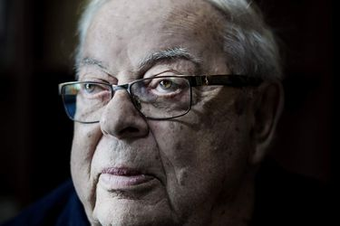 Fallece el ex capellán de La Moneda, Percival Cowley