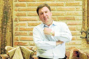"""Exsocios extranjeros demandan a Gonzalo Vial Concha: acusan creación de sociedad """"fantasma"""" en Uruguay para contraer millonarias deudas"""