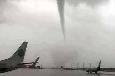 Cinco tornados azotaron aeropuerto de Turquía
