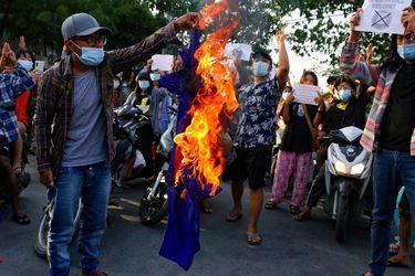 ONU señala que 100.000 personas han huído de sus hogares desde el golpe de Estado en Myanmar
