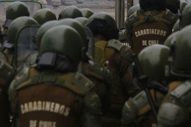 """Bancadas de oposición dicen que """"respaldo incondicional"""" del gobierno a generales de Carabineros investigados por Contraloría debilita Estado de Derecho"""