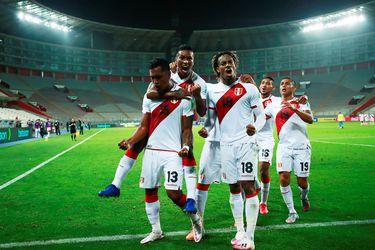 Lapadula es la gran novedad de la nómina de Perú para enfrentar a Chile