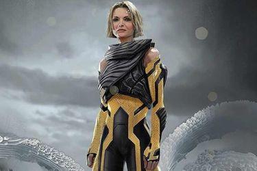 Un diseñoalternativo para Janet Van Dyne resaltaba los colores característicos de Wasp