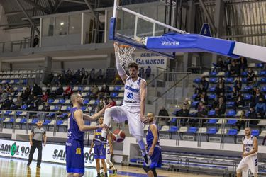 Carvacho lidera el segundo triunfo de Rilski en la liga búlgara