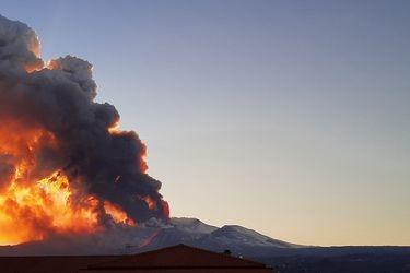 Monte Etna vuelve a despertar: Revisa las imágenes de la nueva erupción del volcán más activo de Europa