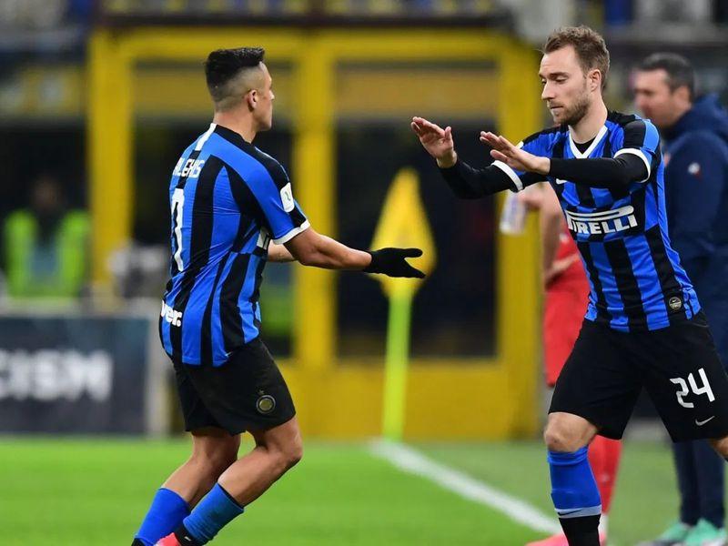 Alexis Sánchez y Christian Eriksen, compañeros en Inter de Milán. Foto: @Inter.