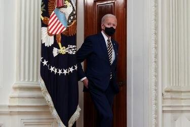 Biden firma decretos para paliar crisis económica EEUU desatada por el coronavirus