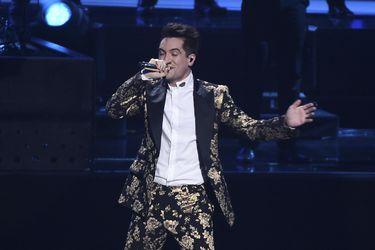"""Así fue la interpretación de Panic! at the Disco de """"Bohemian Rhapsody"""""""