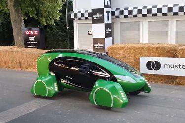 Prueban automóvil inteligente para realizar delivery de insumos médicos