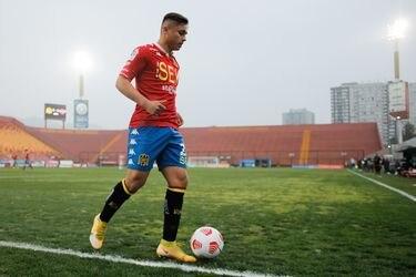 Con llantos y ganas de dejar el fútbol: la lucha de Bastián Yáñez que lo llevó a ser la gran sorpresa de Lasarte