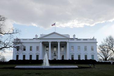 """Coordinador del covid de la Casa Blanca afirma que EE.UU está """"pasando la página"""""""