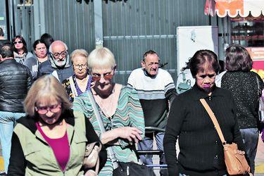 CEP: Mujeres dicen que pensiones es  el principal problema a solucionar
