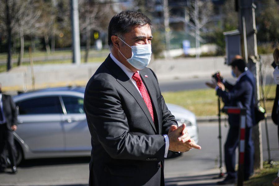 Mario Desbordes, ministro de Defensa.