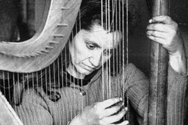 """La última carta de Violeta Parra: """"Me cago en los discursos de despedida"""""""