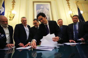 Ministro de Hacienda firma acuerdo con Comisión de Hacienda Reforma Tributaria