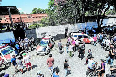Suben a diez los muertos en el ataque de Suzano en las afueras de Sao Paulo (44924156)
