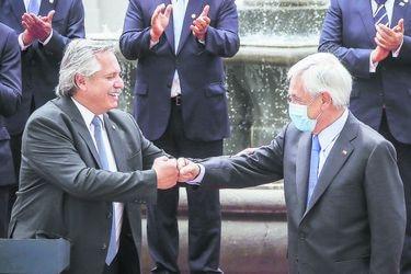 Piñera y Fernández dan señales de unidad y cooperación tras tensiones