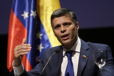 """Líder opositor Leopoldo López asegura que no """"quería salir de Venezuela"""" y califica a Maduro de """"criminal y asesino"""""""