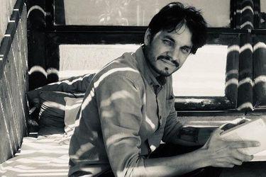 Hazlo tú mismo: Alberto Parra, de las guitarras a la poesía