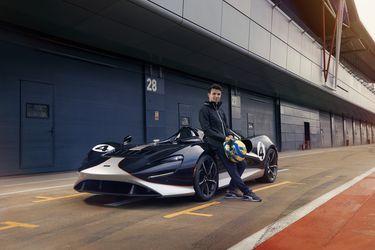 Lando Norris conoce el Elva, el excepcional deportivo de calle más ligero de la británica McLaren