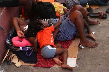 """Gobierno estadounidense advierte a migrantes haitianos del """"profundo peligro"""" de viajar a EE.UU."""