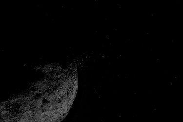 Revive el instante exacto en que la sonda Osiris-Rex de la Nasa se posa sobre el asteroide Bennu y recoge muestras para traerlas a la Tierra