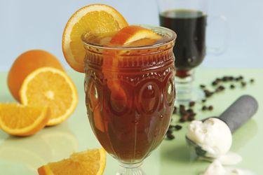 café-helado-con-tónica-y-naranja