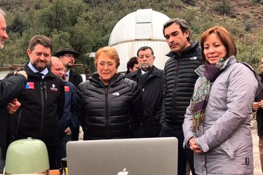 Bachelet visita estación de monitoreo sísmico que analiza comportamiento de la falla de San Ramón